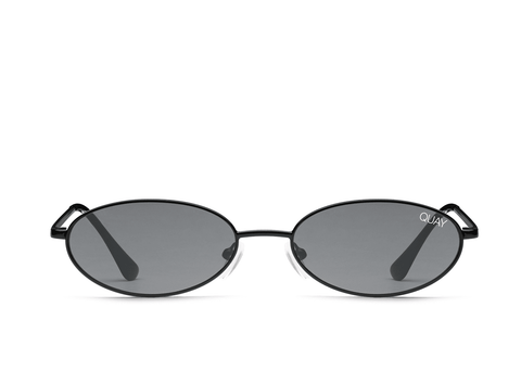 Quay Australia Sunglasses Clout - Black / Smoke Lens