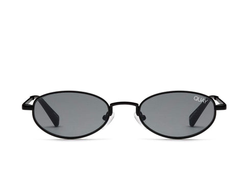 Quay Australia Sunglasses Showdown - Black / Smoke Lens