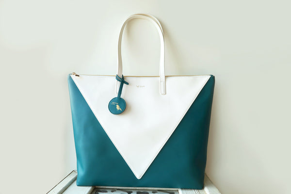 Mixy Animal Big V Tote Bag - Blue-Green & White
