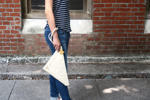 Light me up! Stars V shape Clutch - Cream - VElove