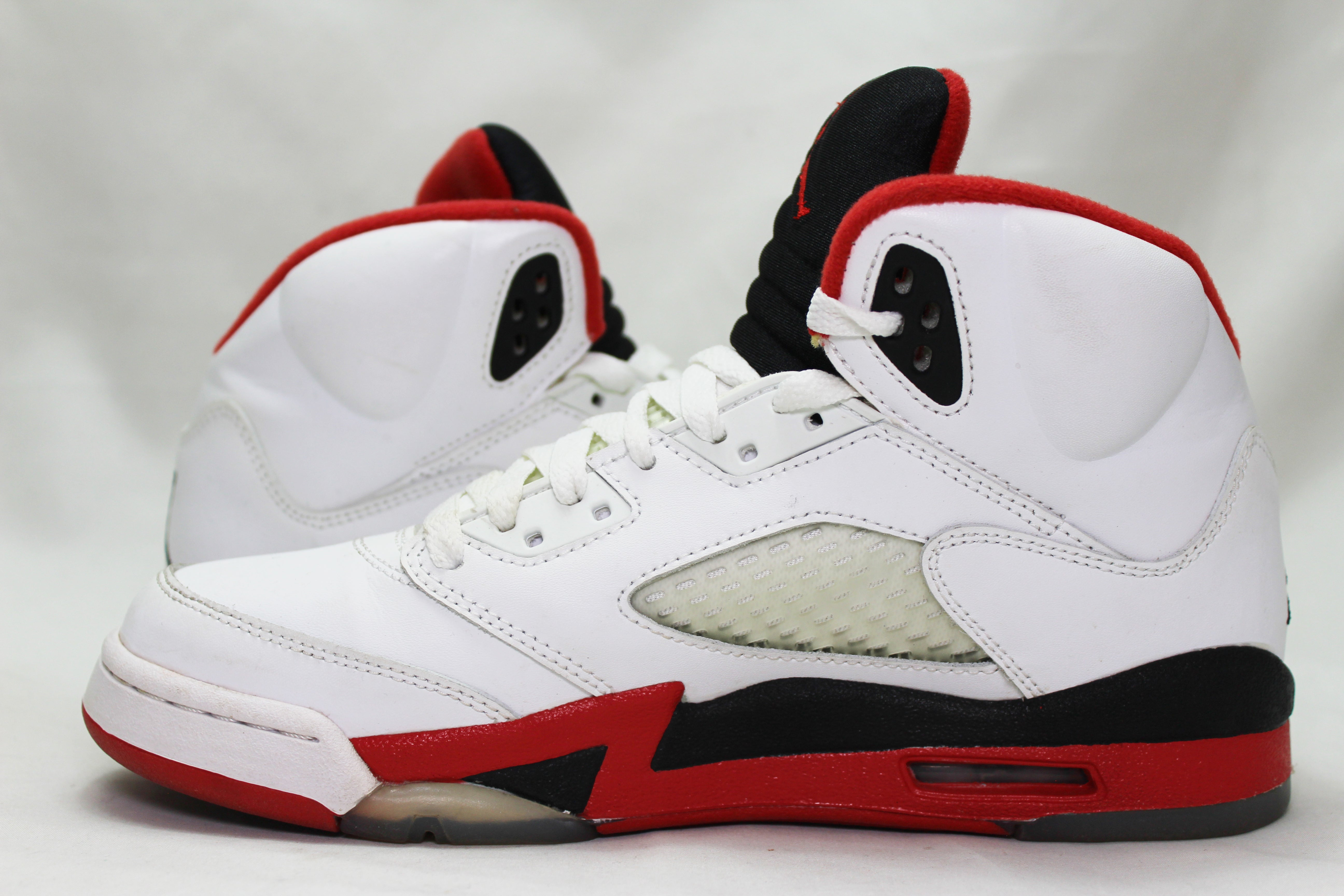 "Air Jordan 5 Retro ""Fire Red"" Size 6.5Y PRE-OWNED*"