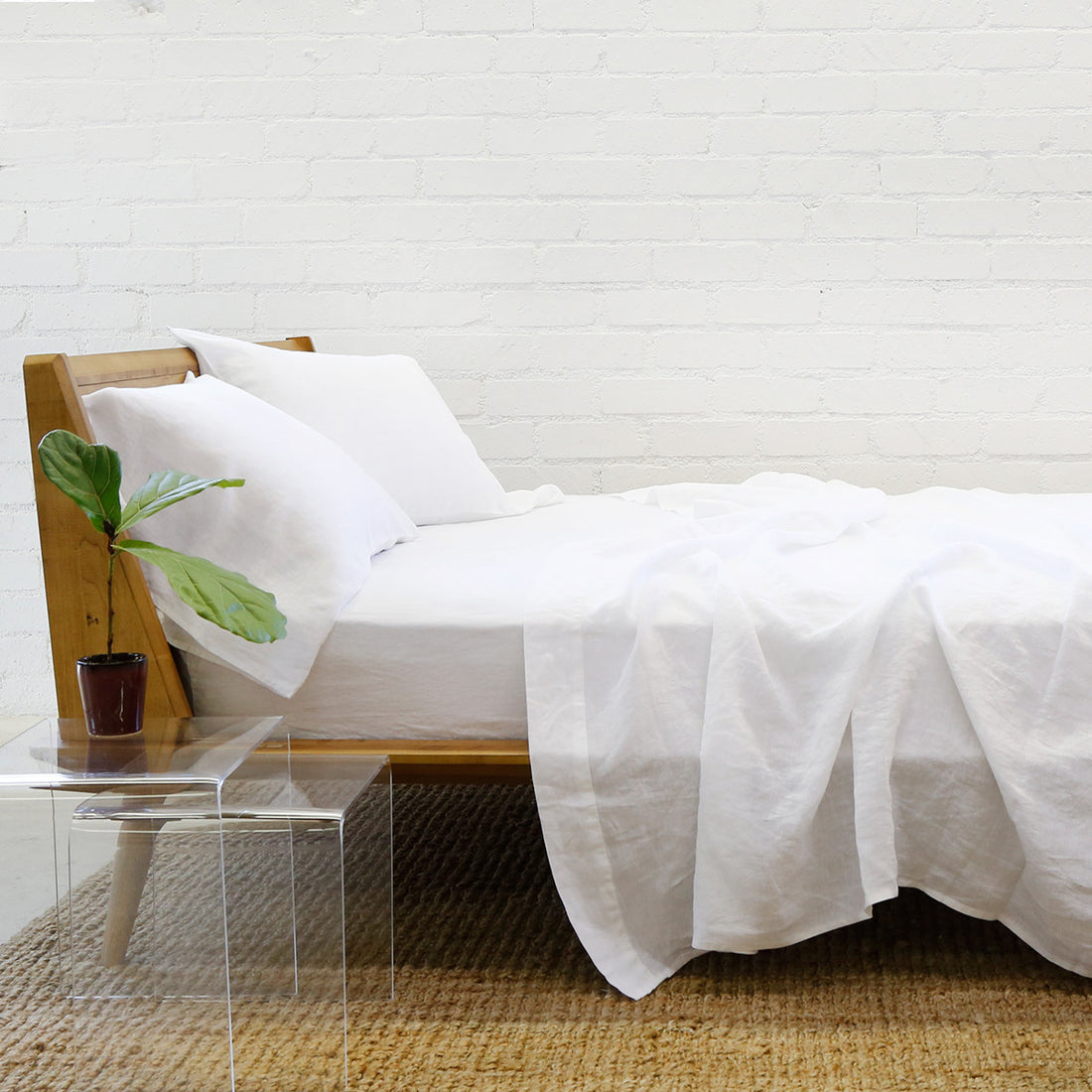 white linen sheet set