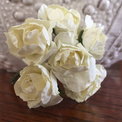 Phoenix Crafts - Cream Paper Roses 3cm