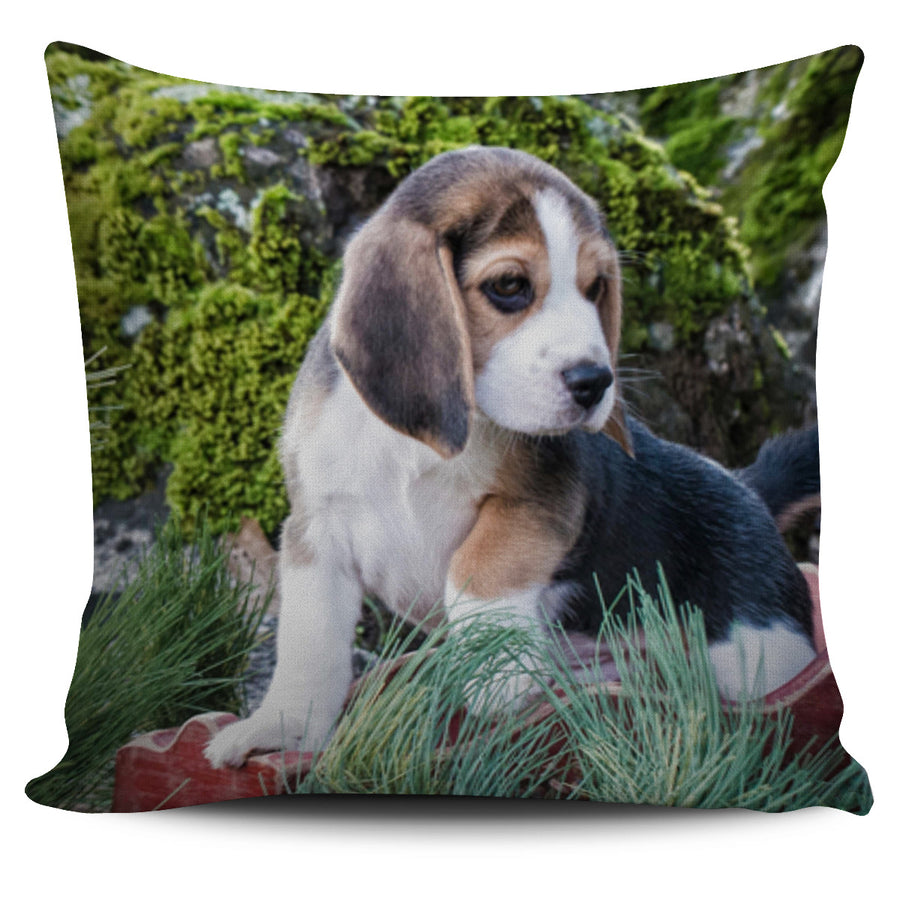 Blushing Beagle Pillow Cover