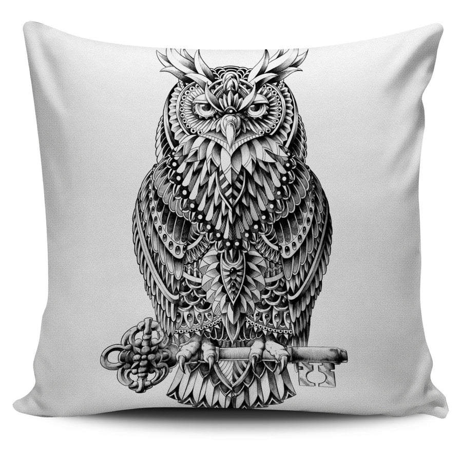 GREAT HORNED OWL PILLOW COVER