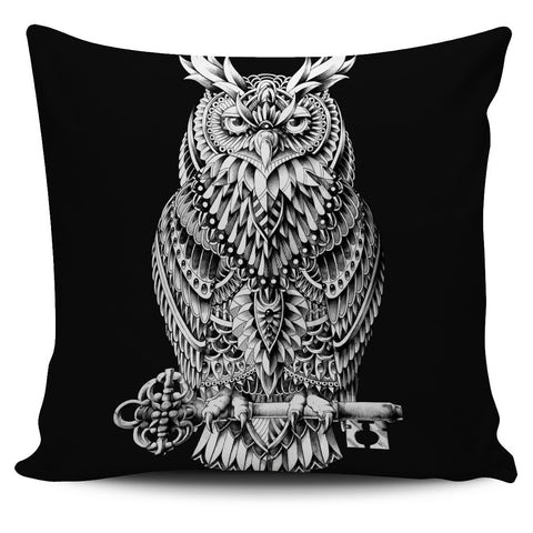 GREAT HORNED OWL PILLOW COVER - BLACK