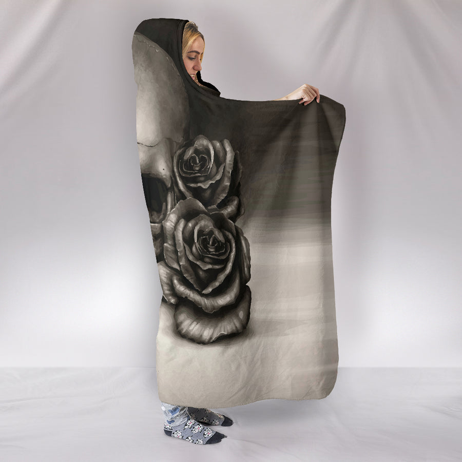 Skull And Roses - Hooded Blanket