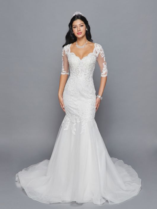 Three Quarter Length Sleeve Lace Bridal Gown