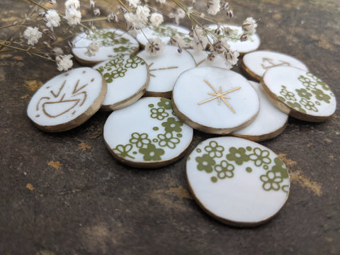Crazy Daisy - witches runes