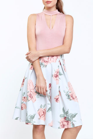 V NECK FLORAL FLARED DRESS