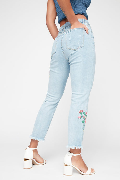 High-Rise Distressed Floral Embroidered Frayed Hem Skinny Jean