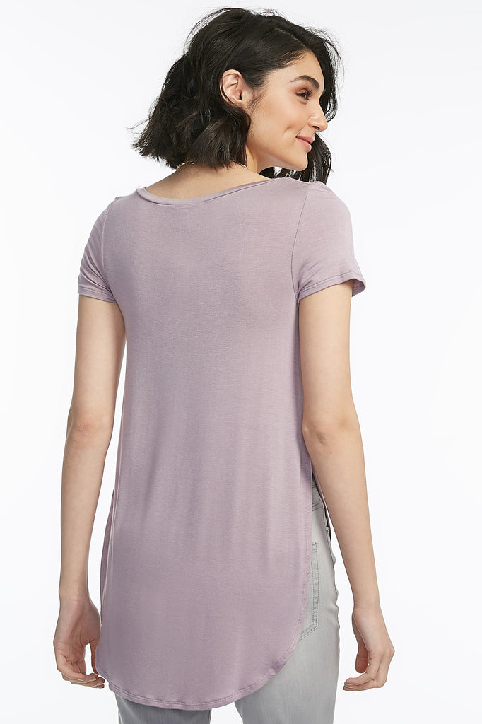 Dolphin Hem Lattice V-Neck T-Shirt