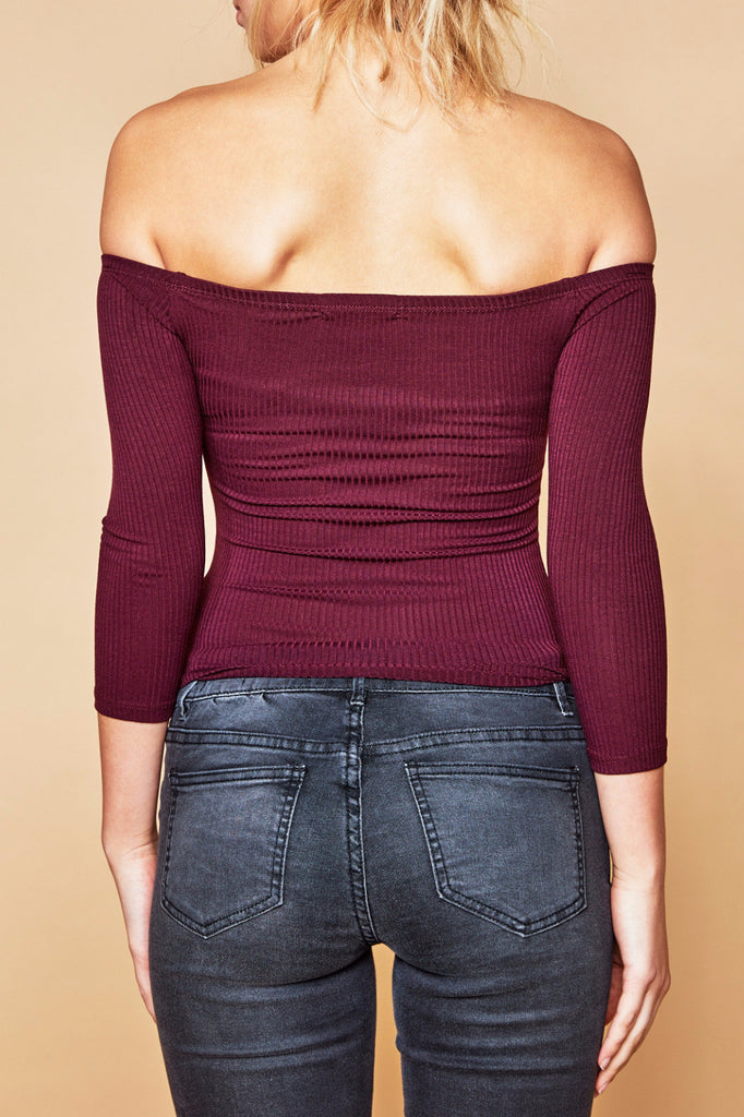 OFF THE SHOULDER RIBBED KNIT TOP