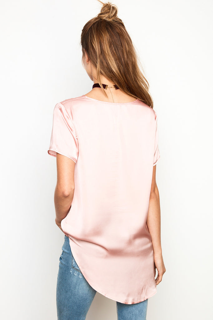 SATIN HIGH LOW HEM TEE