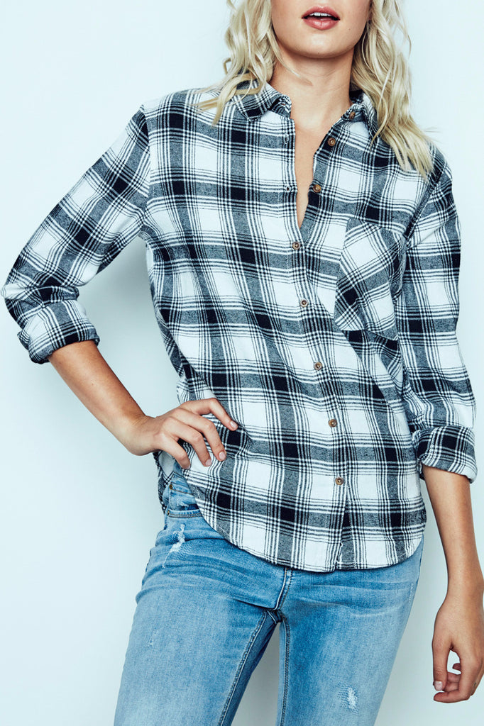 RELAXED FIT PLAID BUTTON-DOWN SHIRT