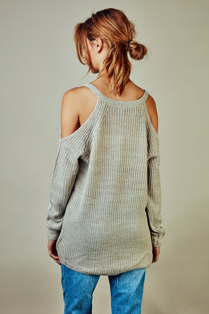 OVERSIZED COLD SHOULDER SWEATER