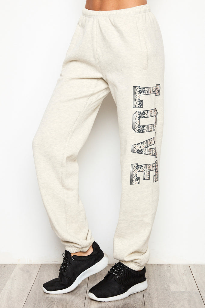GRAPHIC LOVE JOGGER