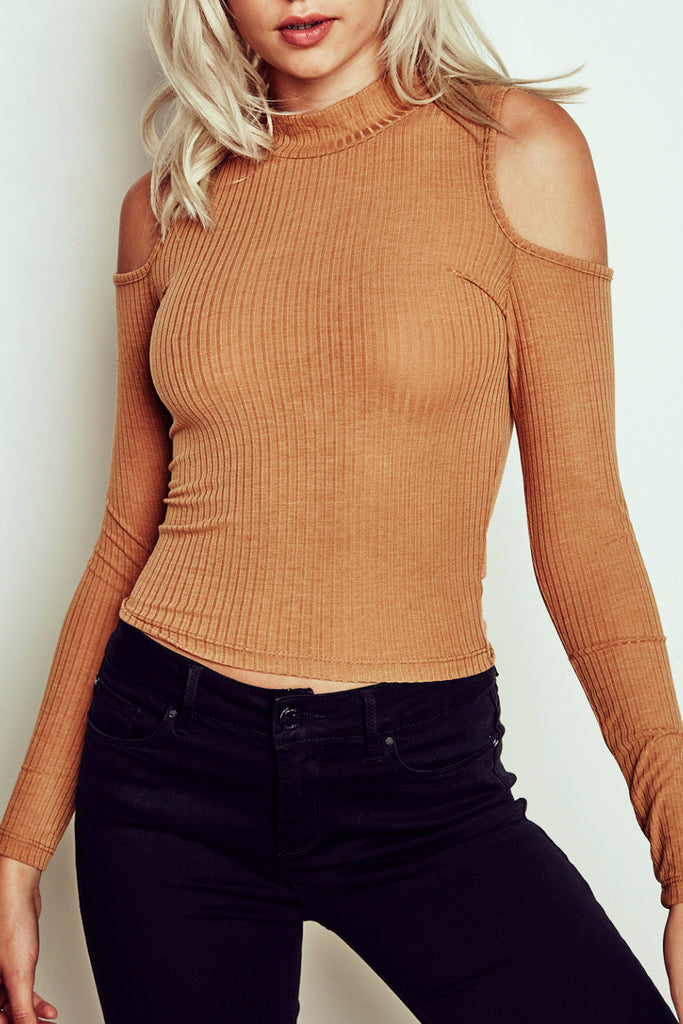 RIBBED KNIT COLD SHOULDER TOP