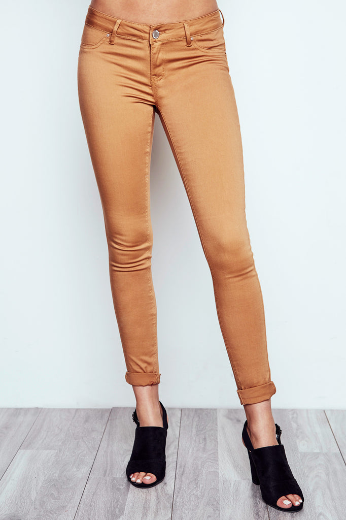 BROWN RIO LOW RISE ESSENTIAL BUTT LIFT JEAN