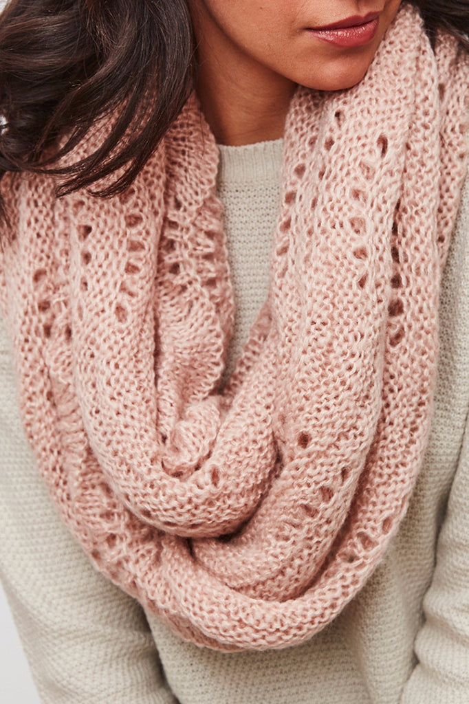 LIGHTWEIGHT PATTERNED KNIT INFINITY SCARF