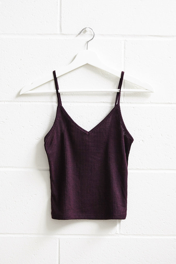 RIBBED KNIT V-NECK CROPPED TANK - REDLINE