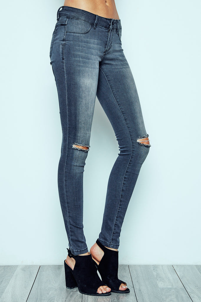 BRAZIL LOW RISE KNEE SLIT MEDIUM WASH JEGGING