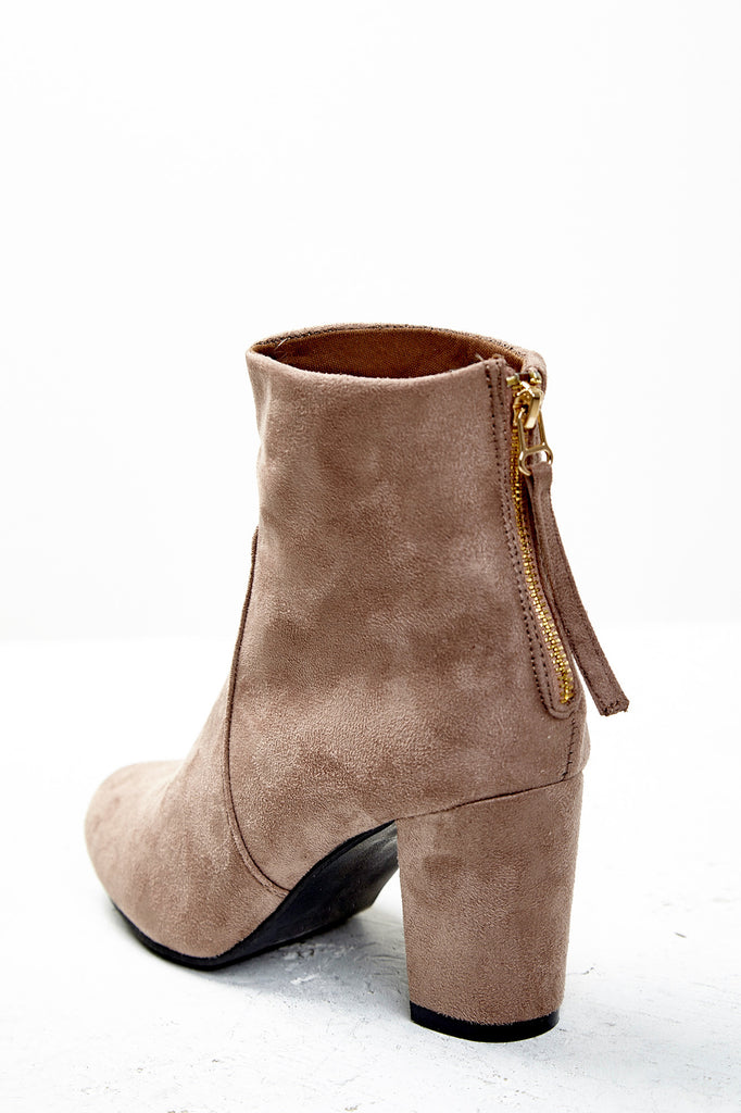 FAUX SUEDE BACK ZIP BOOTIE
