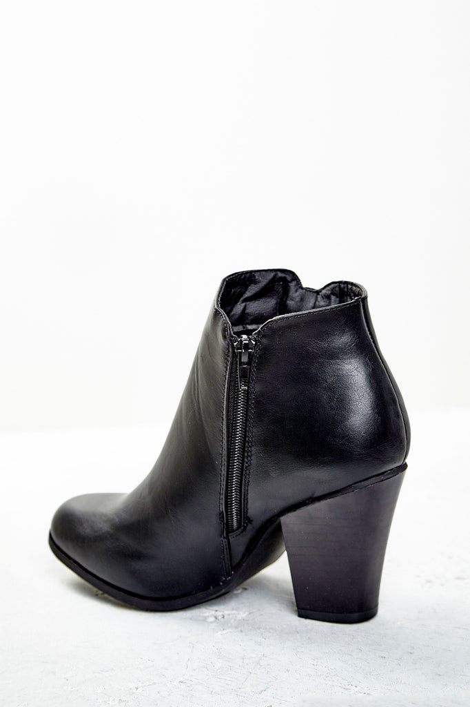 FAUX LEATHER STACKED HEEL ANKLE BOOT