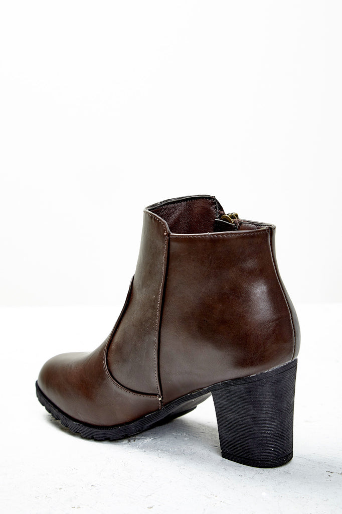 FAUX LEATHER SIDE ZIP ANKLE BOOT