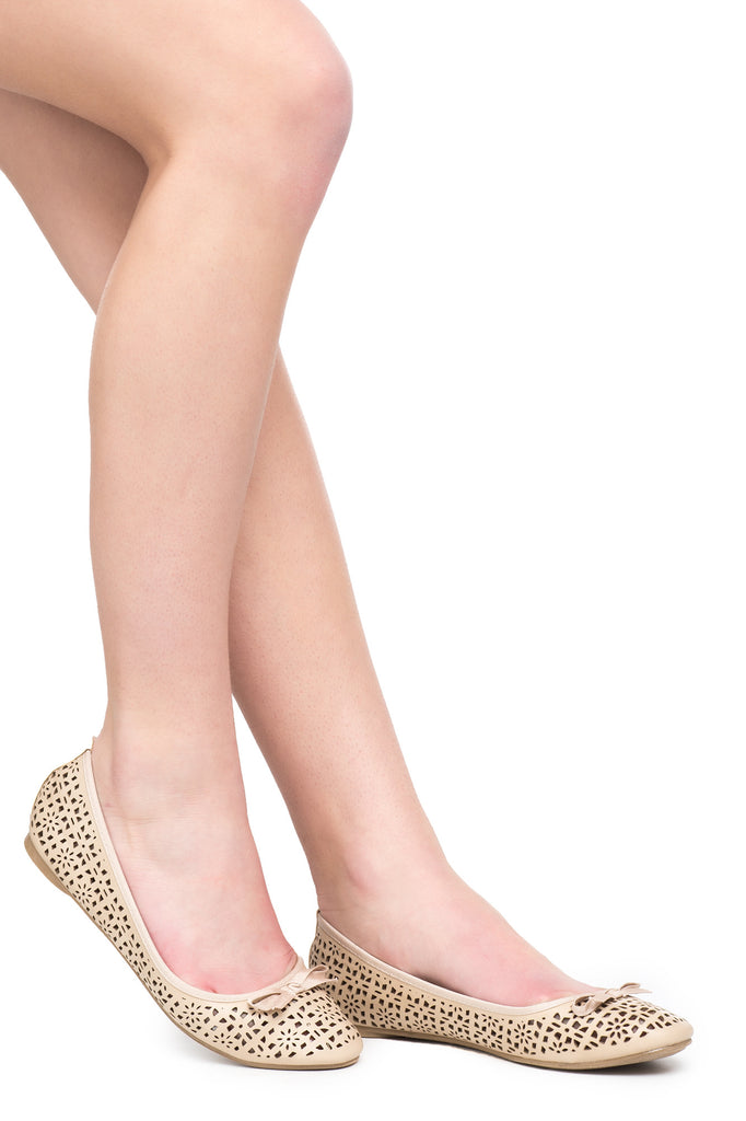 FAUX LEATHER PERFORATED BOW FLAT