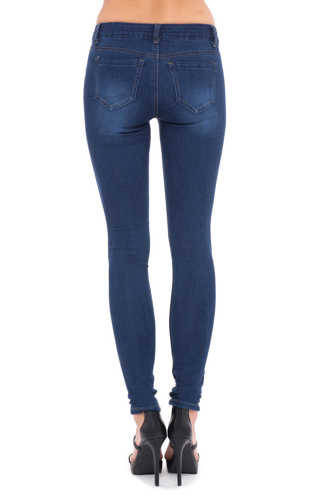 LOW RISE SOFT & STRETCHY DARK WASH SKINNY JEAN