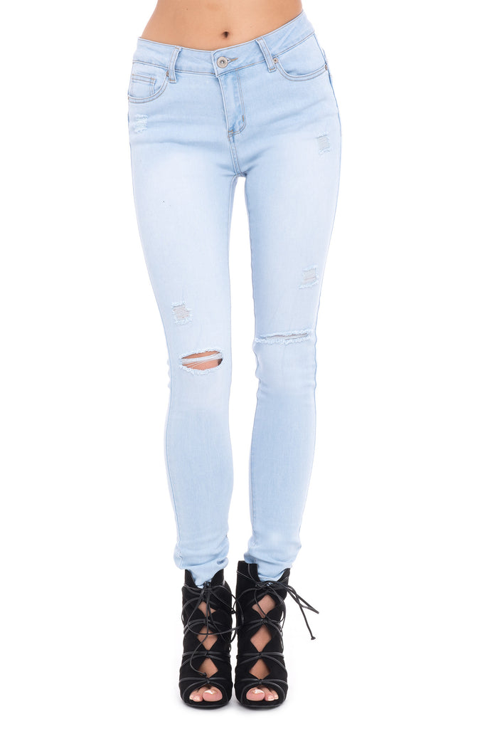 DISTRESSED LOW RISE SOFT BUTT LIFT BLEACHED JEAN