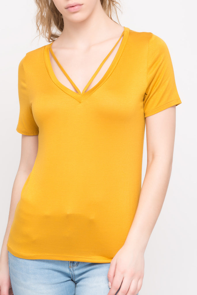 SHORT SLEEVE TOP WITH STRING DETAIL