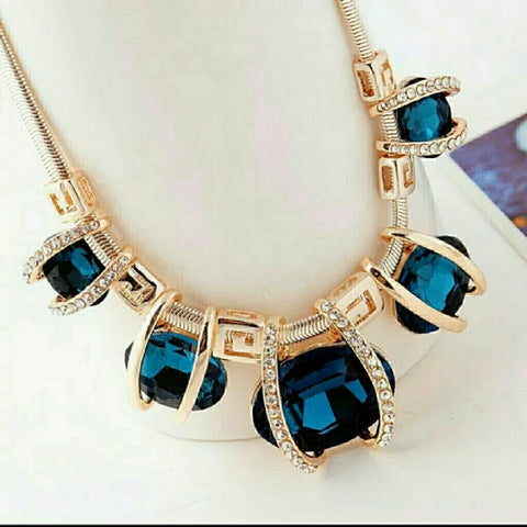 LARGE BLUE GEM STATEMENT NECKLACE -