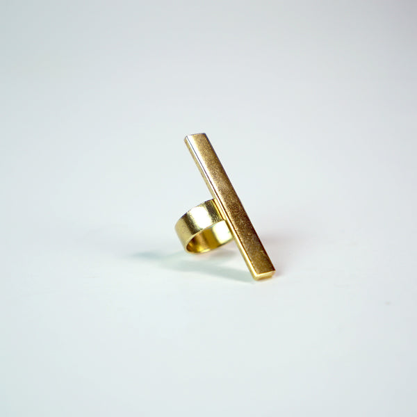 Elevated Vertical Bar Ring