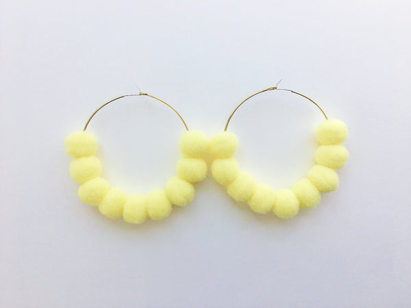Pom Pom Hoops in Lemon