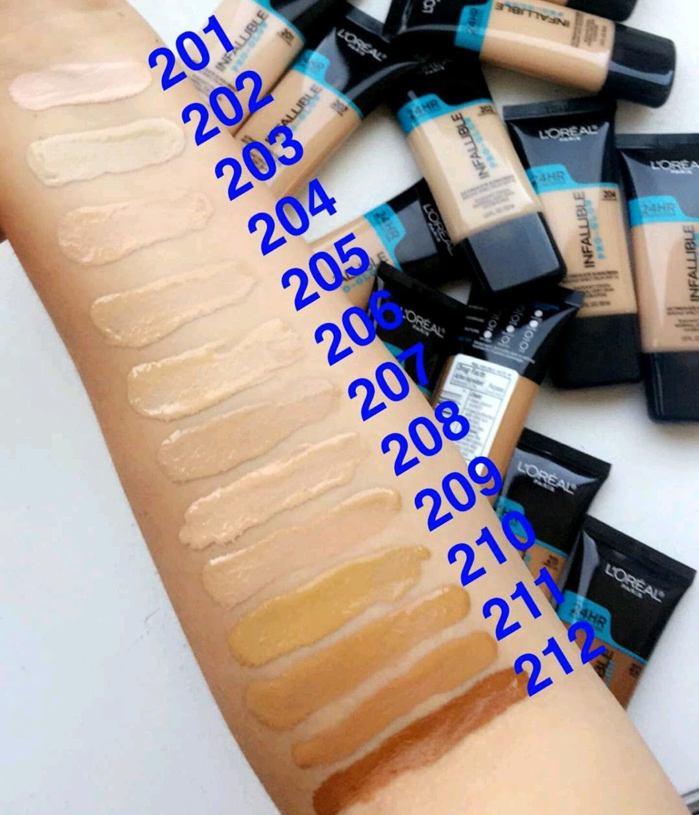 Face - Infallible Pro Glow Foundation