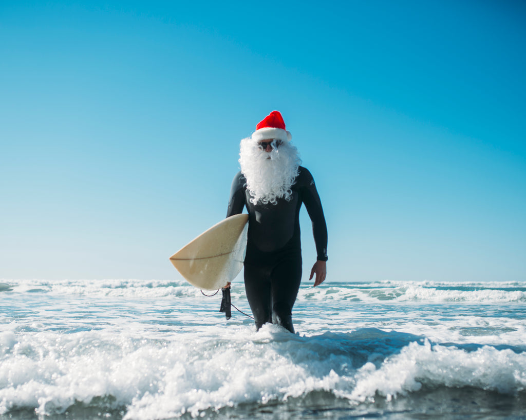 URT SANTA SURF OFF // Spread the Red