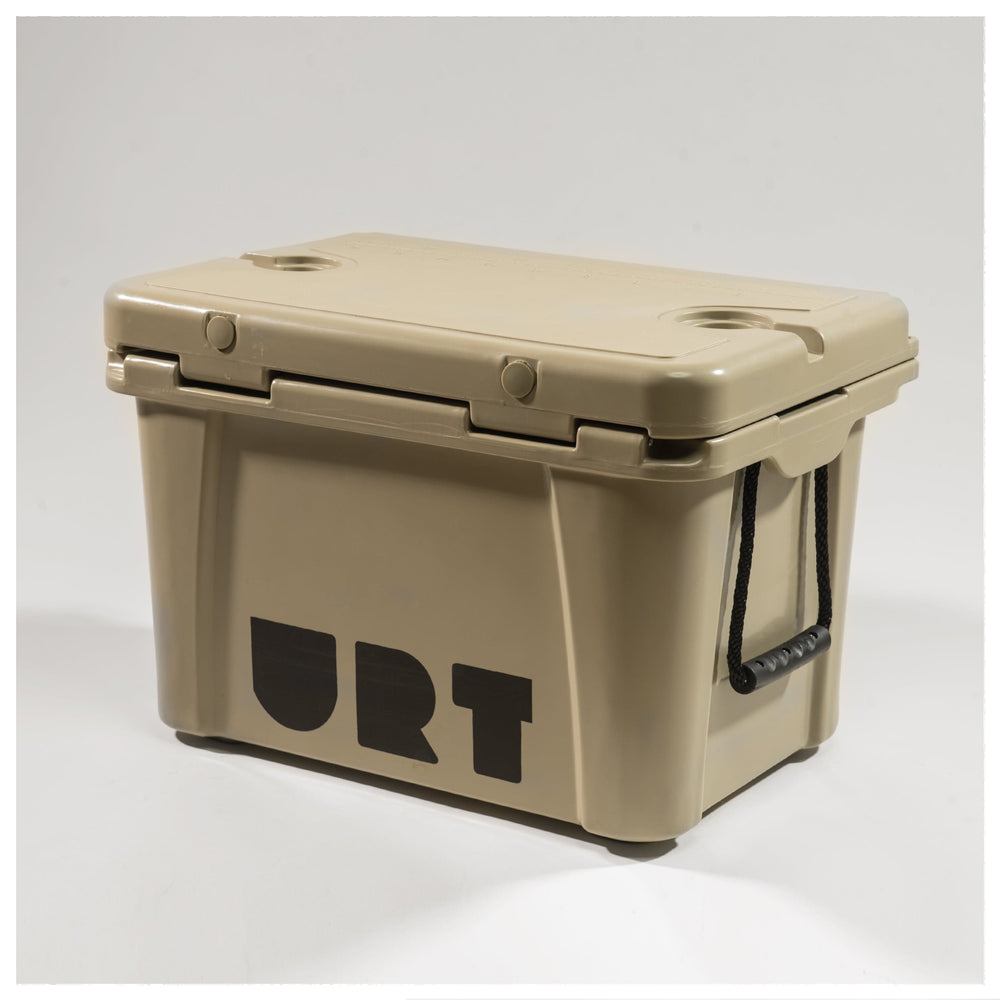 THE CLAM 35L ROTOMOLDED COOLER // 2 COLORS