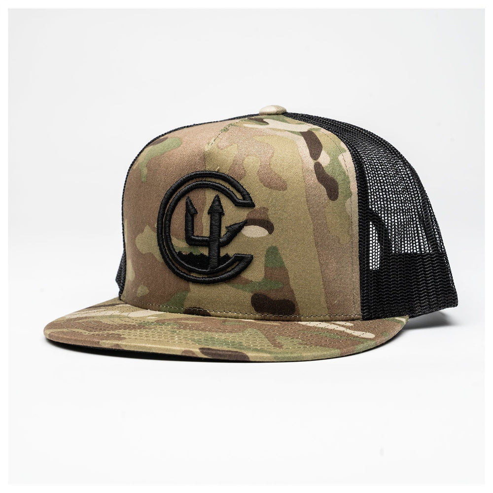 MULTICAM C4 FOUNDATION PUFF EMB CLASSIC TRUCKER // 2 COLORS