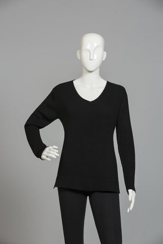 BLACK PRINCESS LINE SWEATER