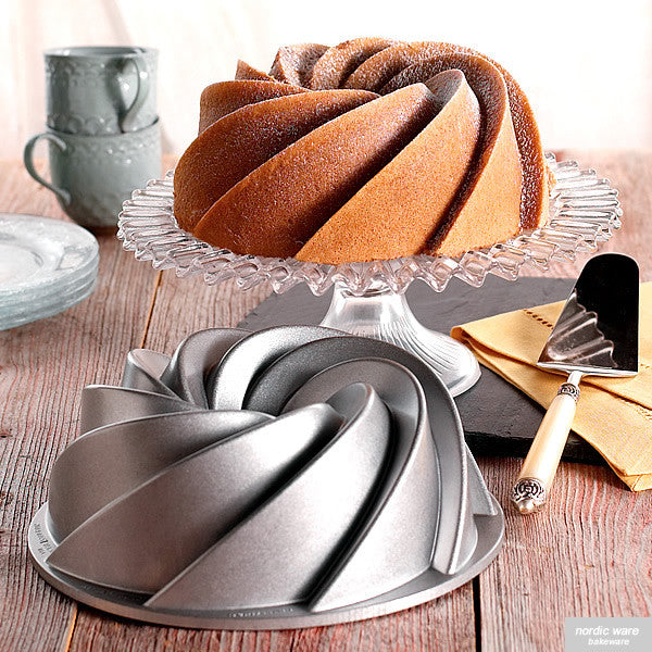 Heritage Bundt Pan, Silver Edition