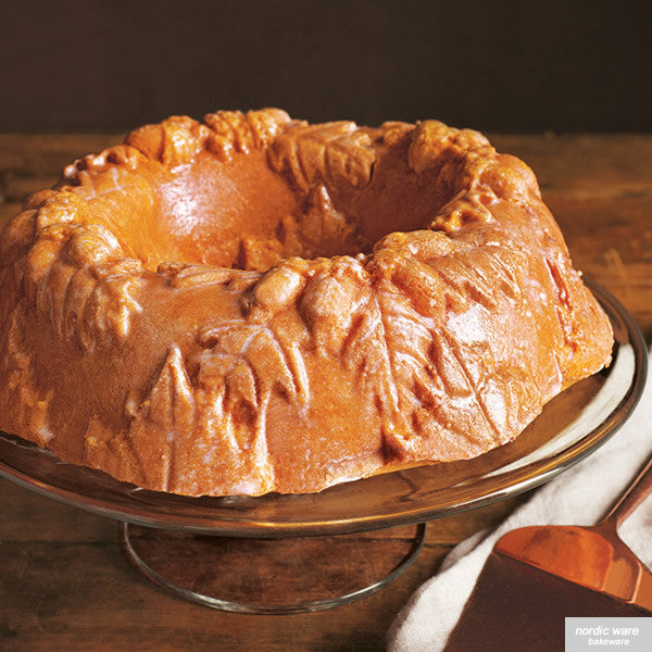 Autumn Wreath Bundt Pan