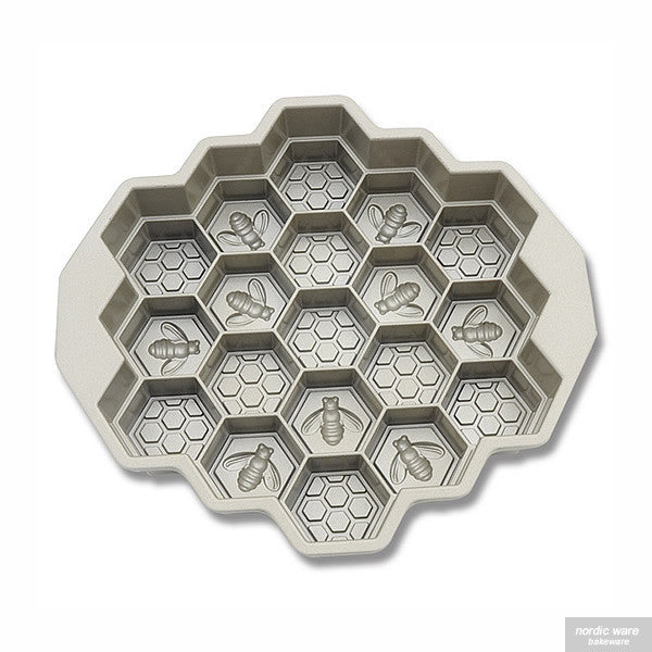 Honeycomb Pull-Apart Pan, Silver Edition