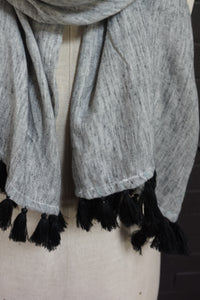 Black fleck - scarf with black tassles