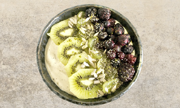 Boomers Super Fruit Smoothie Bowl