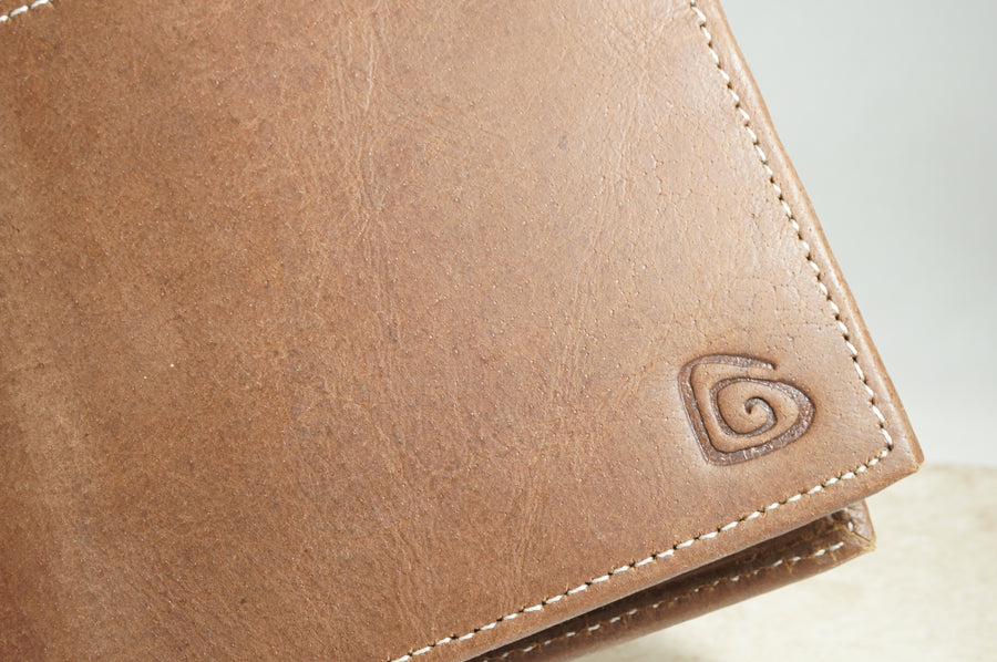 Signature Men's Wallet in Brown
