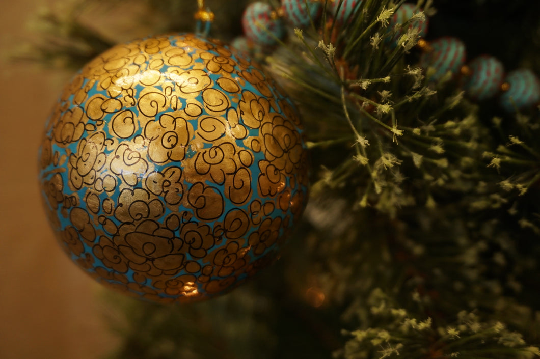 Glorify Ornament