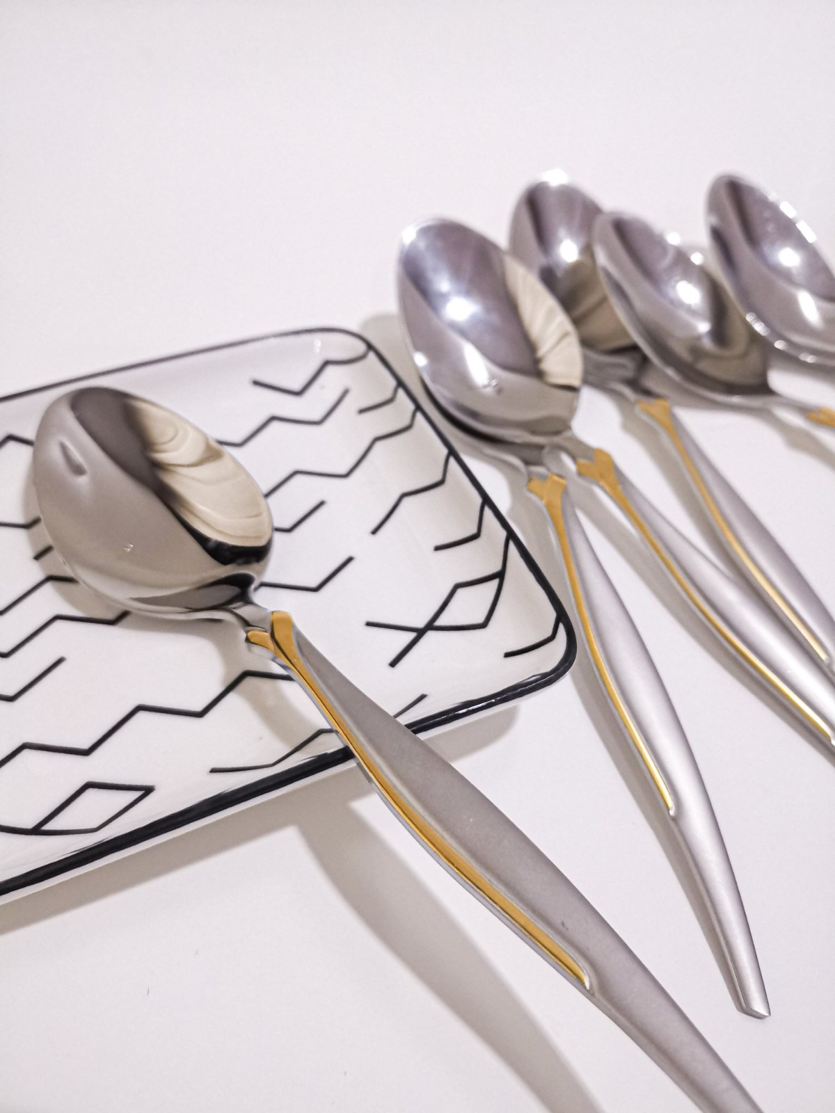 Gold Plated Stainless Steel Cutlery Set 12 Pcs Spoon Fork Set