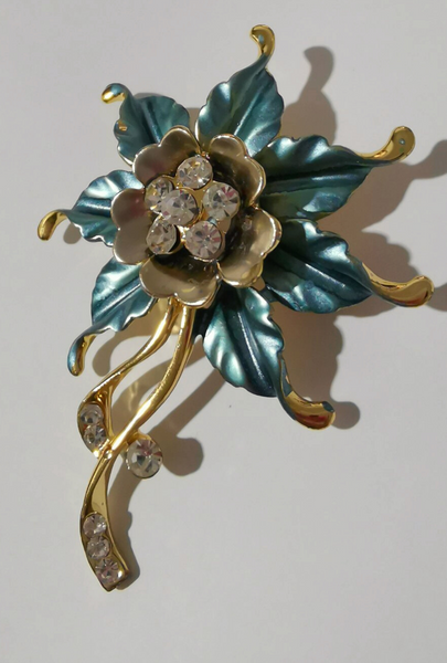 Floral Design Brooch